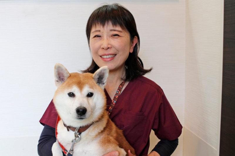 老犬介護士、平端弘美さん